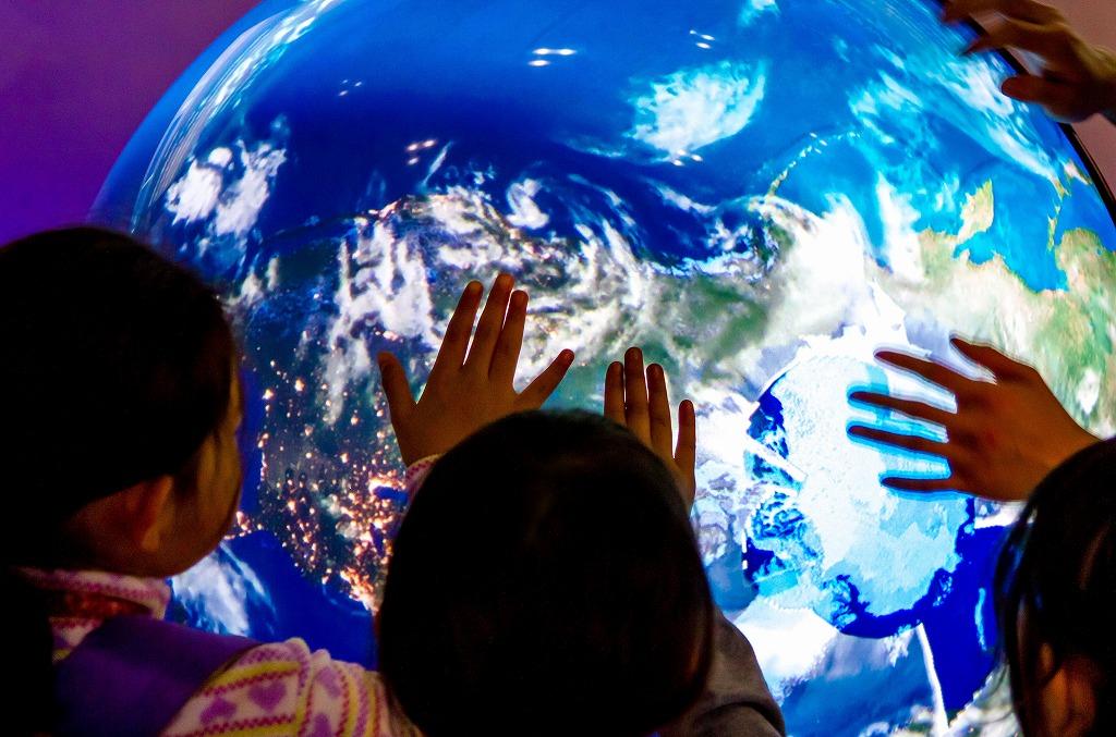 10/29 講演会「宇宙から見た地球環境」&「触れる地球体験会」